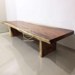 meja kayu trembesi besar
