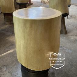 Kursi stool log potongan kayu utuh