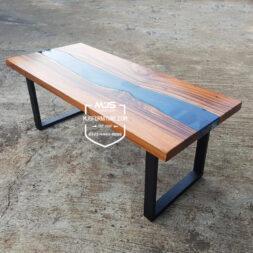 meja kayu trembesi model river flow unik