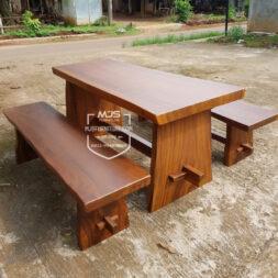 meja makan kayu trembesi doff