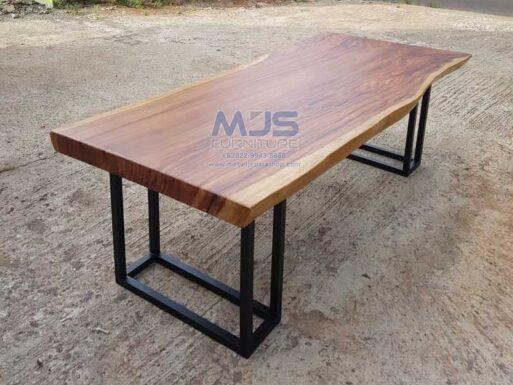 meja meeting kayu solid trembesi natural