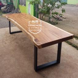 meja trembesi panjang kaki besi