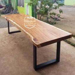 meja trembesi panjang kaki besi suar