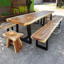 meja taman kayu trembesi solid kaki besi