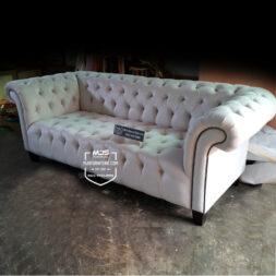 sofa chesterfield broken white ivory