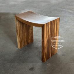 kursi stool kayu trembesi dudukan lengkung